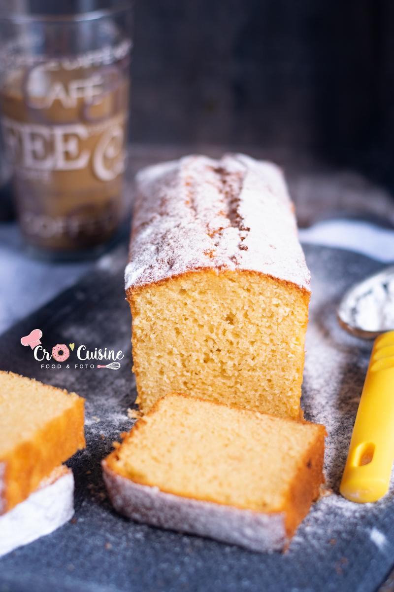 Cake vanillé ma revisite du gâteau au yaourt moelleux et humide à souhait