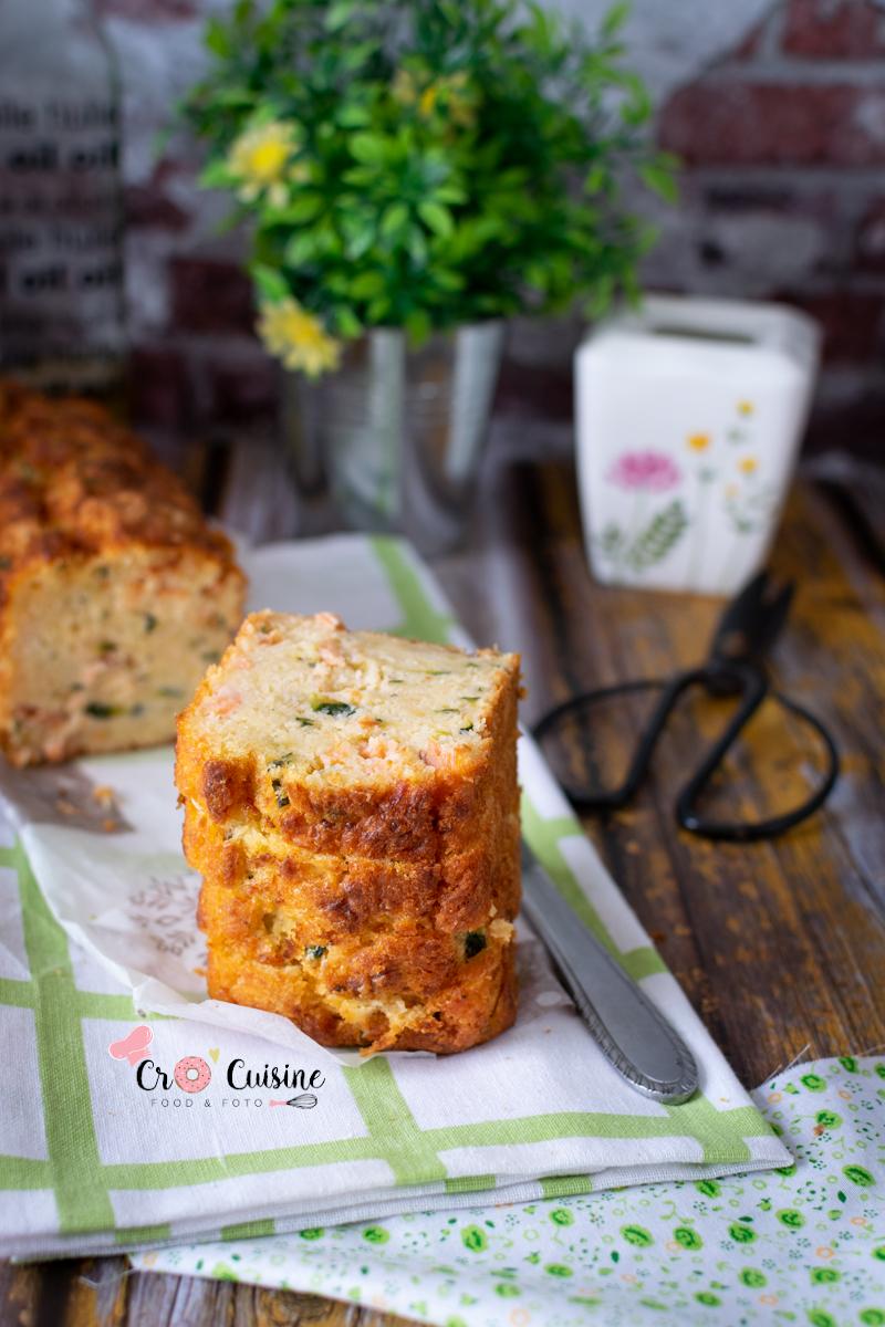 un cake salé courgette, saumon pour des apéros gourmands