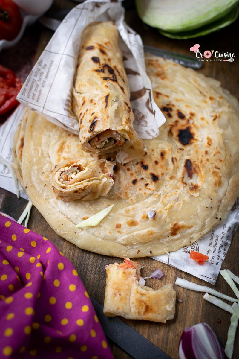 rolex Ouganda un sandwich street food ougandais ultra simple et très bon. Une omelette roulé dans un pain chapati