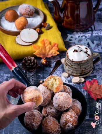 De délicieux beignets express à la semoule extra-fine et enrobés de sucre à la vanille. Ils feront un excellent goûter d'automne