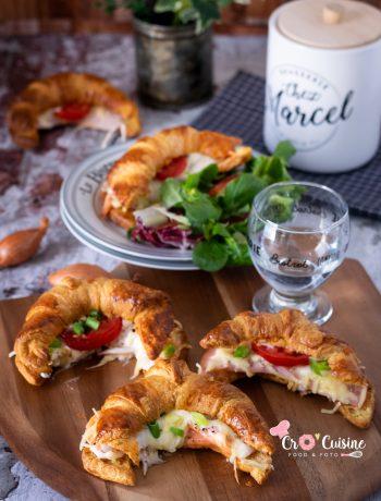 Croissants salés façon bistrot qui plaira aux enfants. Au saumon ou à la dinde dégoulinant d'emmental et d'une sauce béchamel crémeuse