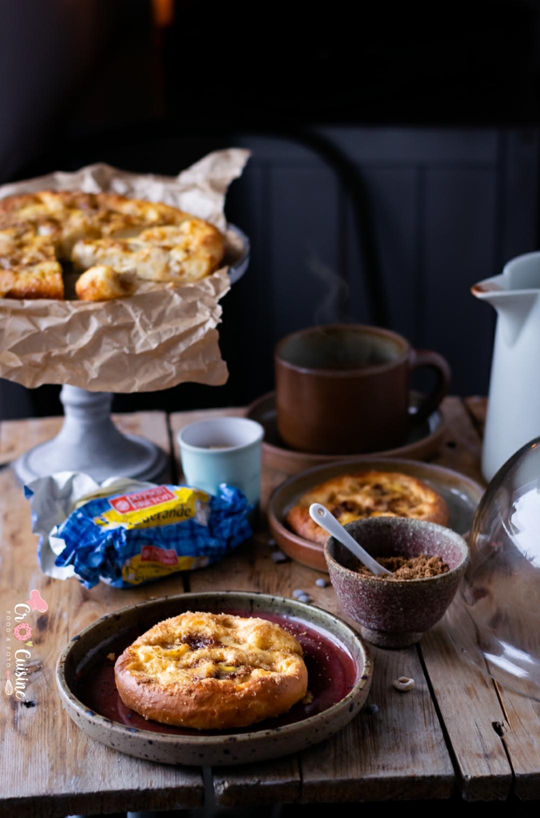 la vraie tarte au sucre du Nord Pas-de-Calais est une brioche moelleuse recouverte de sucre vergeoise.